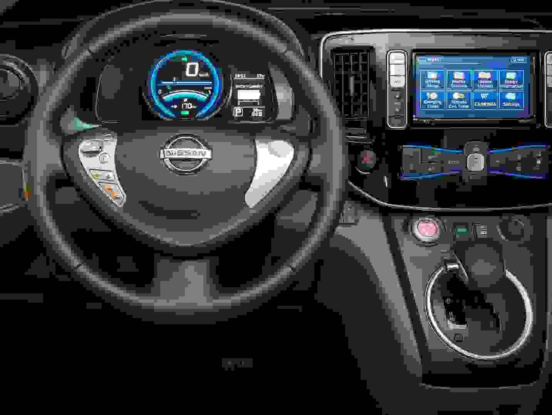 Nissan E NV200 2015 1600 26