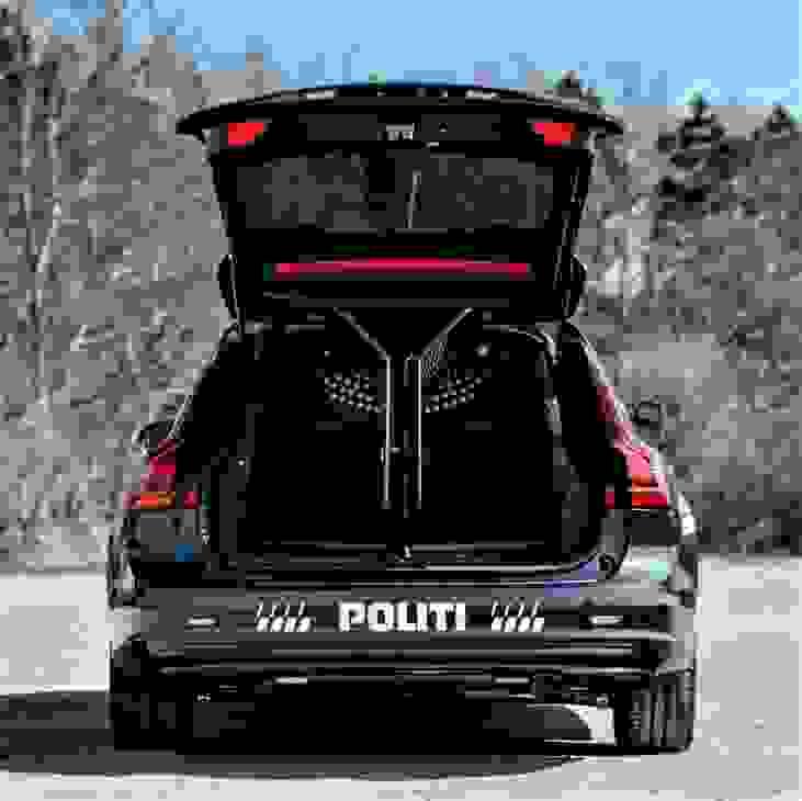 V90 Politi2