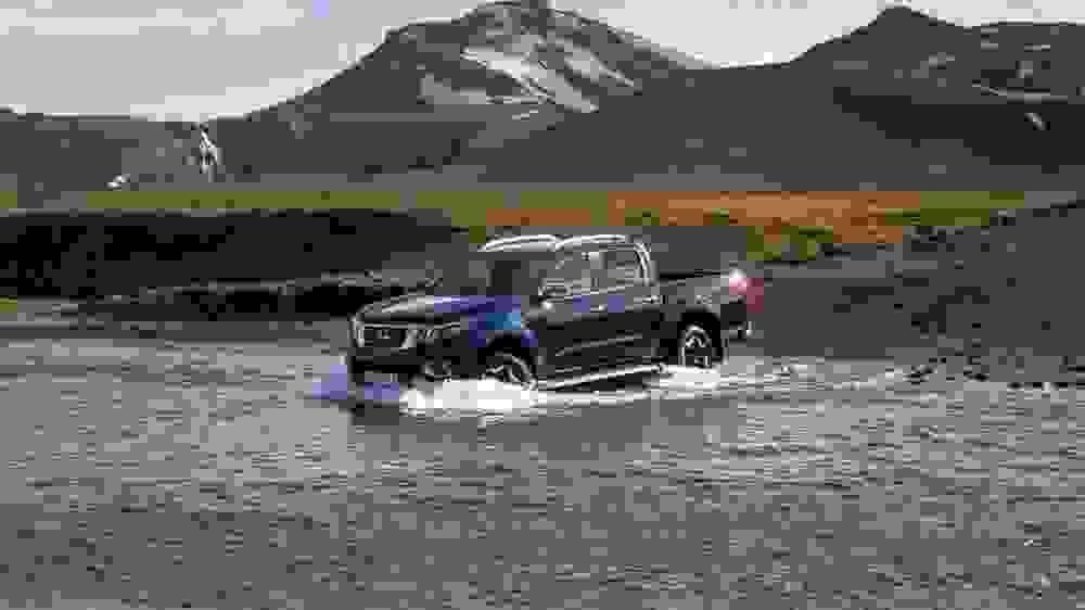 Nissan Navara Double Cab Blue Iceland Dynamic Offroad 11 1200X800